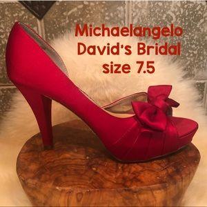 Michaelangelo ♥️ David's Bridal Red Satin Shoes